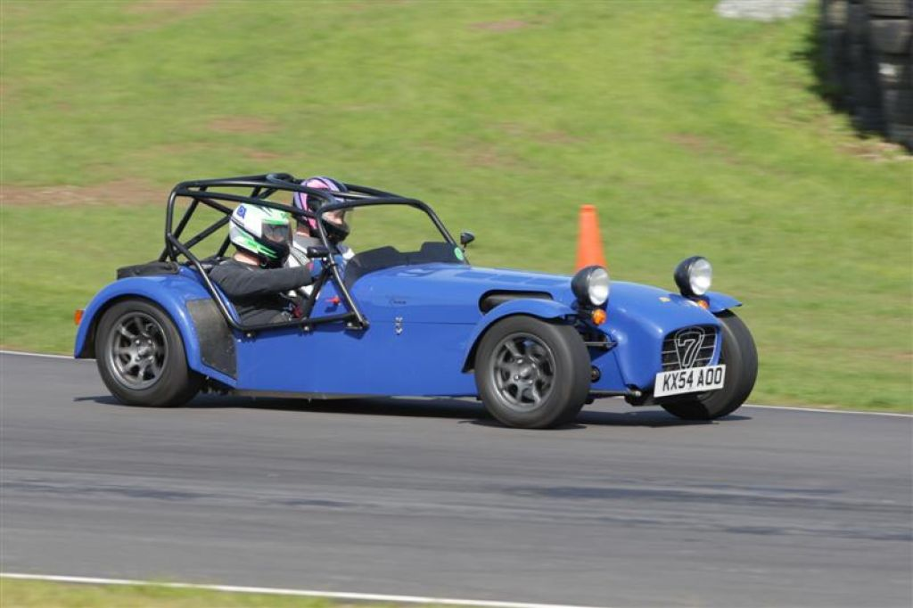 road specification caterham r400 race car caterhams for sale at raced rallied rally cars. Black Bedroom Furniture Sets. Home Design Ideas