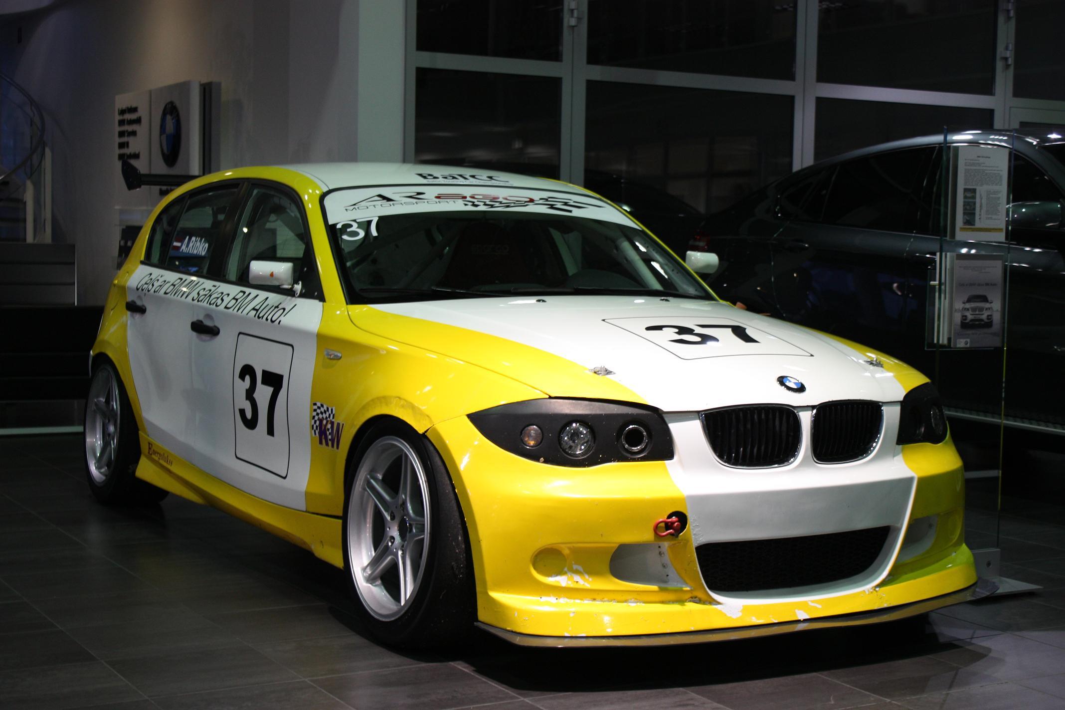 bmw 130i challenge race cars for sale at raced rallied rally cars for sale race cars for sale. Black Bedroom Furniture Sets. Home Design Ideas