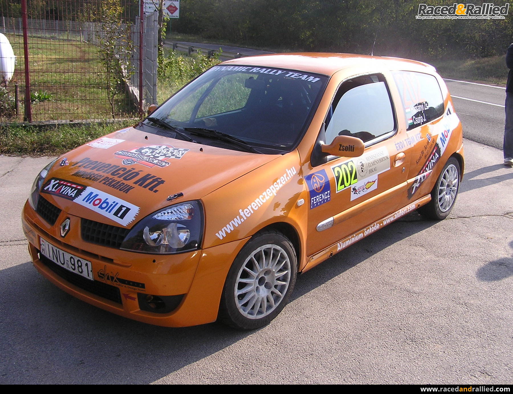 renault clio rs gra rally cars for sale at raced rallied rally cars for sale race cars. Black Bedroom Furniture Sets. Home Design Ideas
