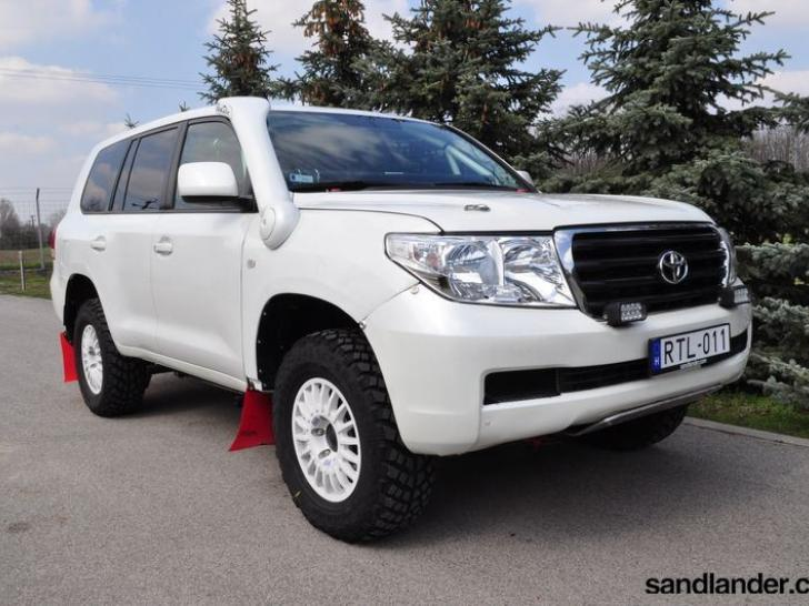 toyota land cruiser vdj200 gx r t2 rally cars for sale. Black Bedroom Furniture Sets. Home Design Ideas